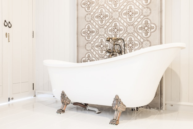 Vasche Da Bagno D Epoca : Vasca da bagno d epoca di lusso u foto stock nomadsoul