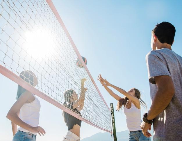 Close up scena di beach volley Foto Gratuite