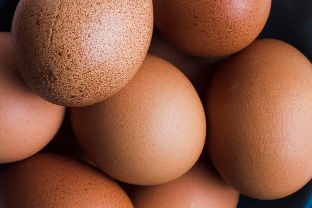Close up uova marroni Foto Gratuite