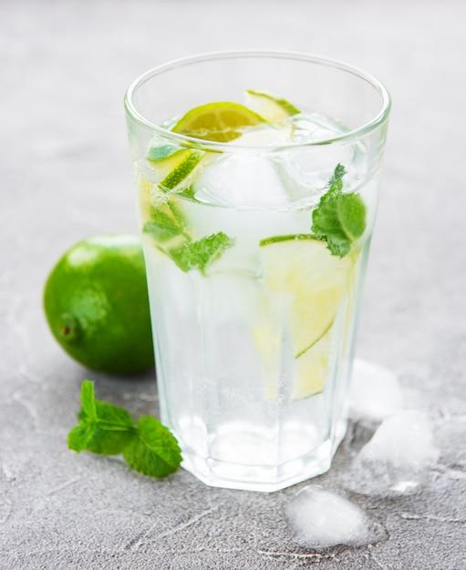 Cocktail di mojito Foto Premium