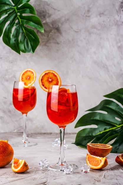 Cocktail italiano aperol spritz Foto Premium