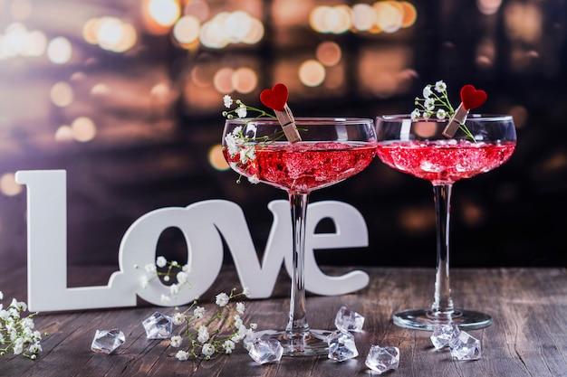 Cocktail rossi di san valentino Foto Premium