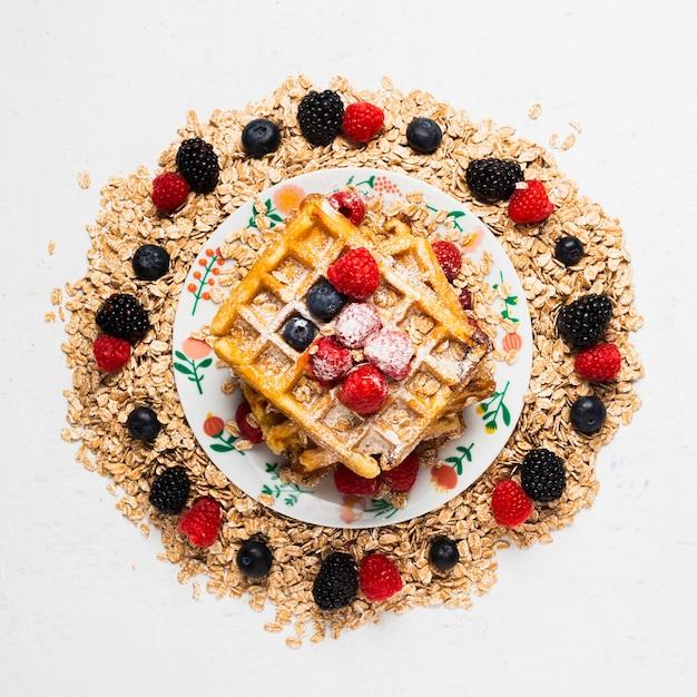 Colazione d'annata del primo piano con i frutti Foto Gratuite