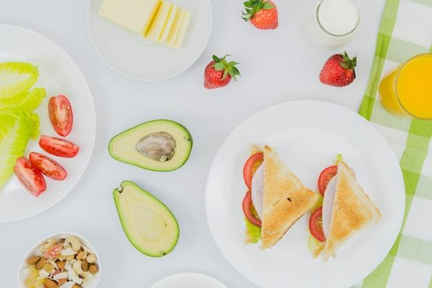 Colazione sana con frutta Foto Gratuite