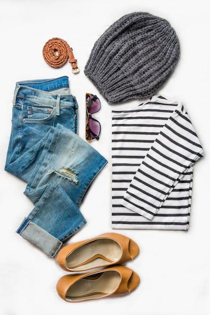 Collage di set di abbigliamento femminile. Foto Premium