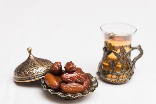 Composizione degli alimenti per il ramadan Foto Gratuite