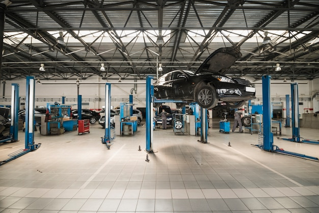Composizione di meccanica dell'automobile moderna Foto Gratuite
