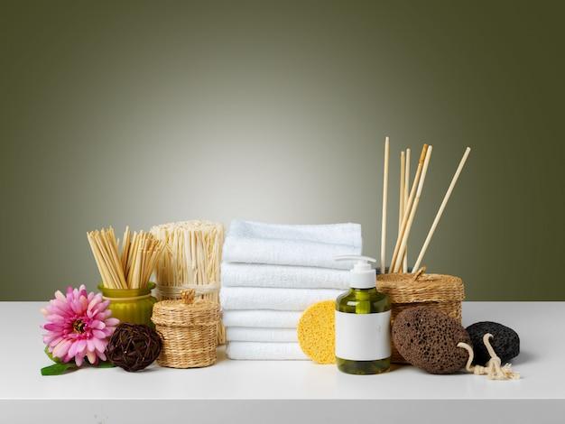 Composizione di prodotti wellness spa Foto Premium