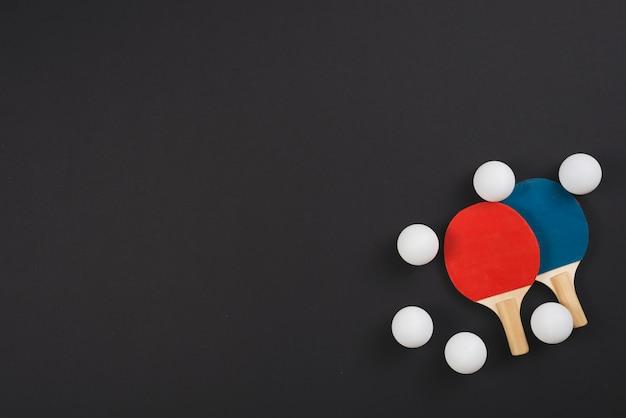 Composizione moderna di attrezzature da ping-pong Foto Gratuite