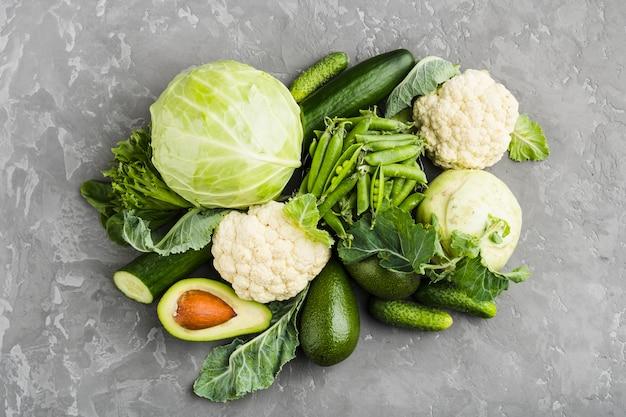 Composizione piatta laici di verdure sane Foto Gratuite