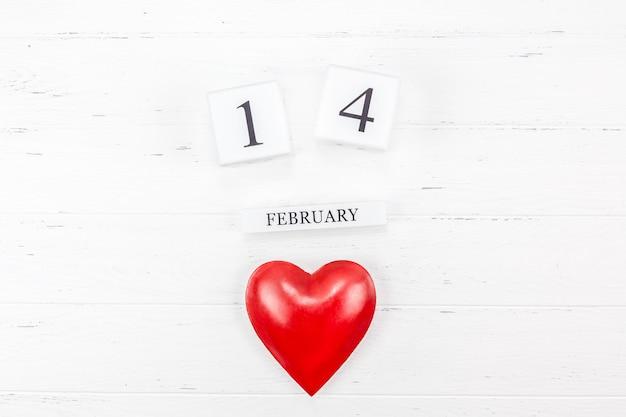 Composizione romantica di san valentino creativo Foto Premium