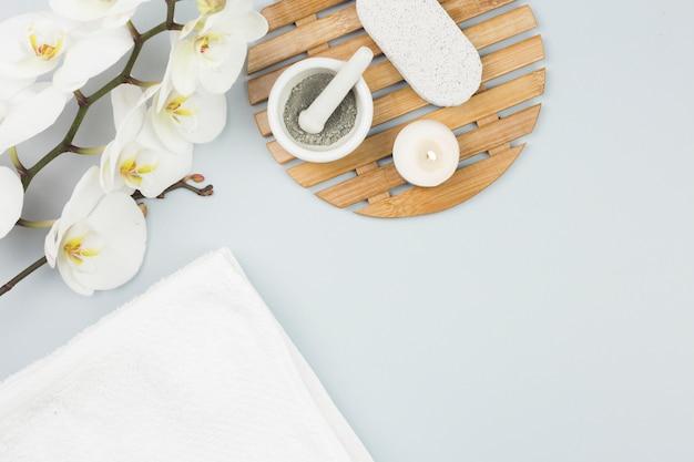 Composizione vista dall'alto di oggetti spa Foto Gratuite