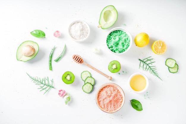 Concetto cosmetico naturale e biologico Foto Premium