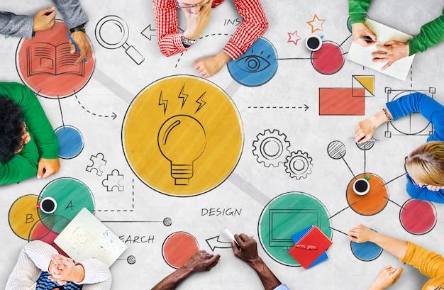 Concetto creativo del diagramma di idee della lampadina Foto Gratuite