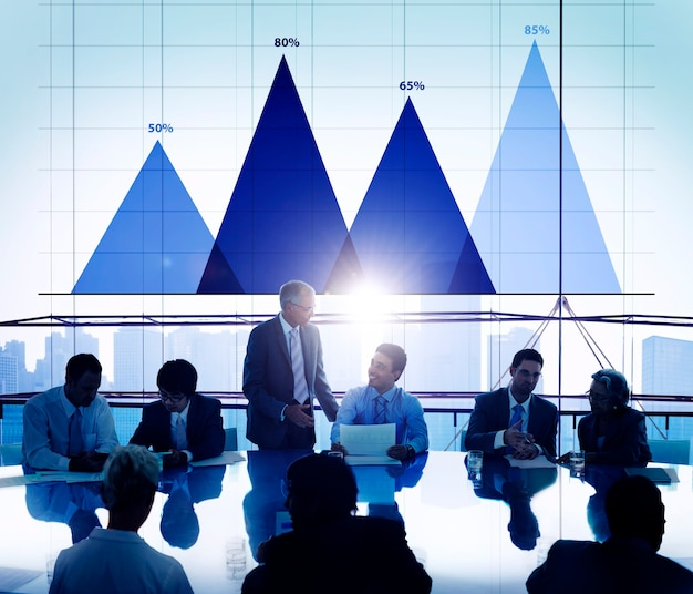 Concetto del grafico di vendita di strategia di analisi di dati commerciali Foto Gratuite