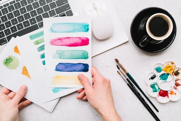 Concetto di arte con il portatile Foto Gratuite