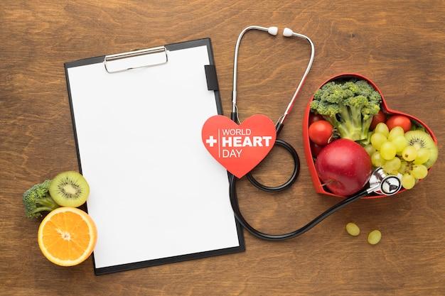 Concetto di giornata mondiale del cuore con cibo sano Foto Gratuite