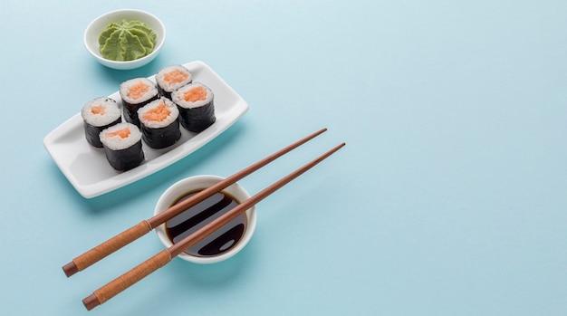 Concetto di giorno dei sushi con lo spazio della copia Foto Gratuite