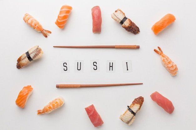 Concetto di giorno di sushi vista dall'alto Foto Gratuite