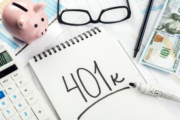 Concetto di pensione piani pensionistici. Foto Premium