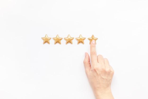Concetto di risposte di esperienza del cliente di cinque stelle Foto Premium
