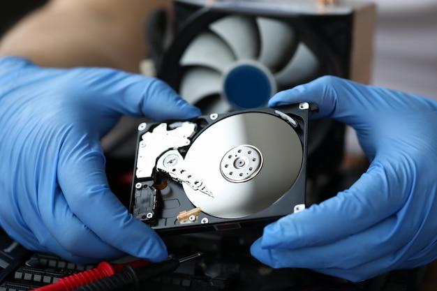 Concetto di servizio di riparazione pc hdd Foto Premium