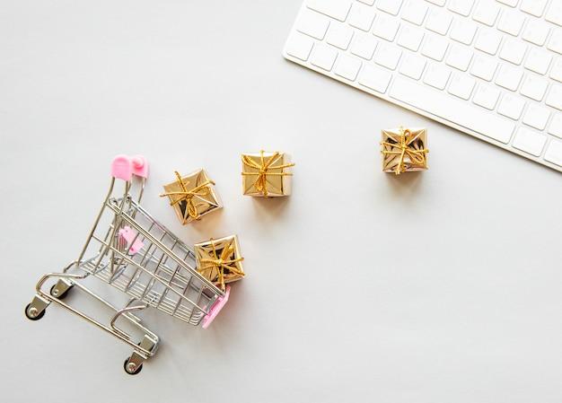 Concetto di shopping online Foto Premium
