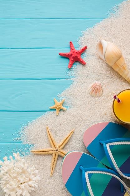 Concetto di spiaggia piatta laici con spazio di copia Foto Gratuite