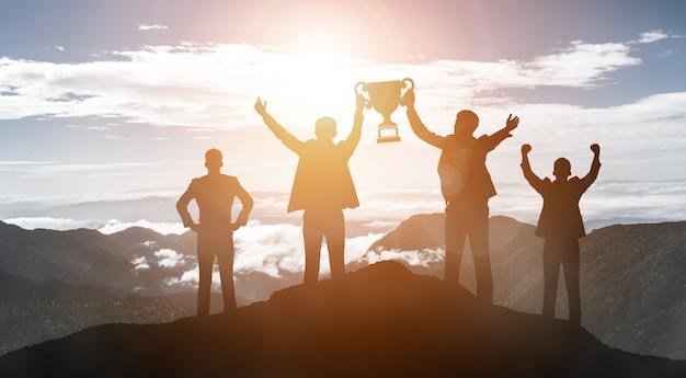 Concetto di successo di scopo di affari e di risultato. Foto Premium