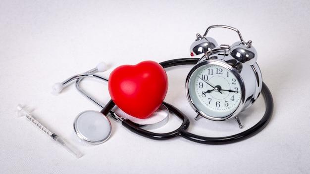 Concetto per tempistica, medicina e assistenza sanitaria Foto Premium