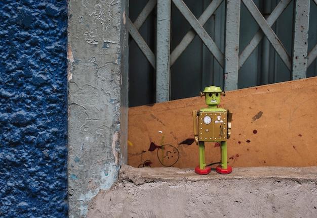 Concetto sveglio dell'ambiente del robot del fiore Foto Gratuite
