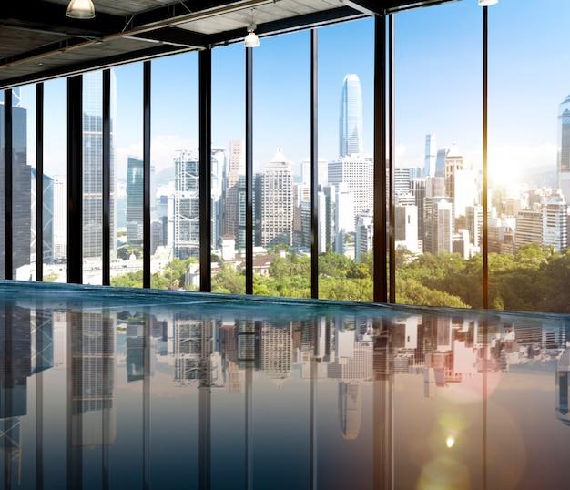 Concetto urbano della metropoli di vista di mattina dell'orizzonte di scena Foto Gratuite