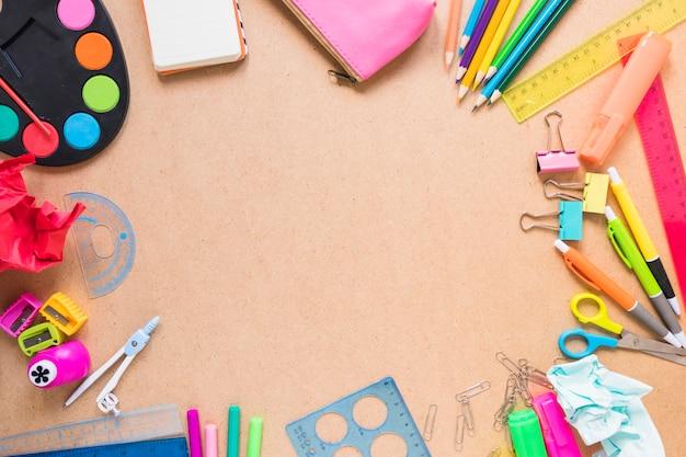 Confine da materiale scolastico Foto Gratuite