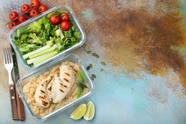 Contenitori di preparazione pasti sani. Foto Premium