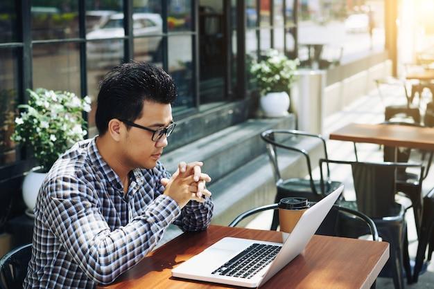 Controllo delle e-mail Foto Gratuite