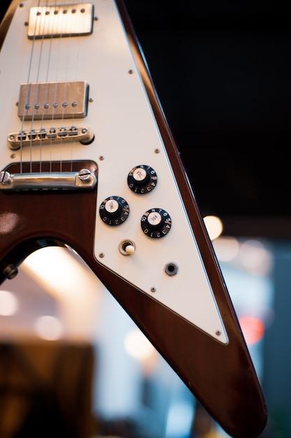 Cool vintage in stile retrò chitarra da vicino Foto Premium