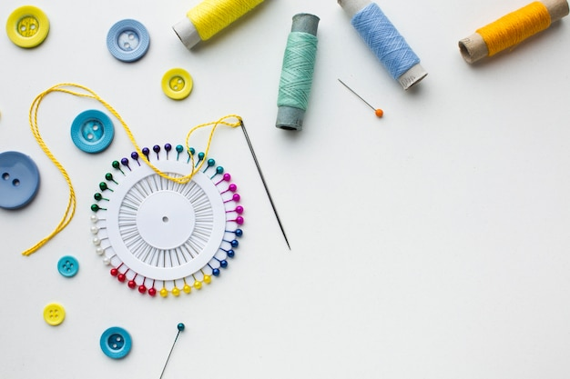 Copia spazio e merceria accessori colorati Foto Gratuite