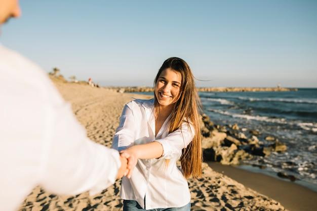 Coppia, camminare, spiaggia Foto Gratuite