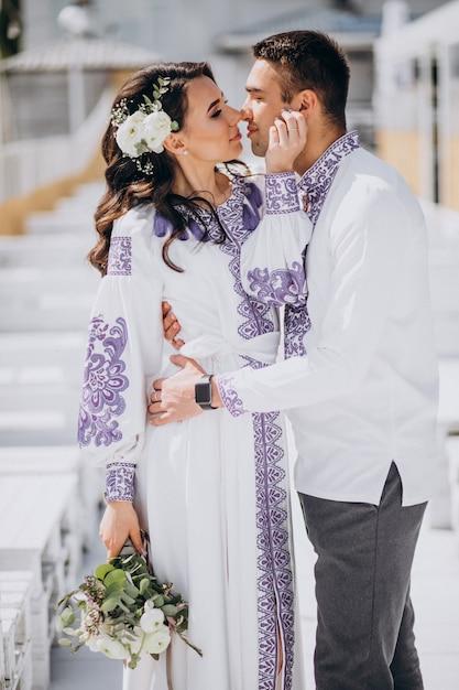 Coppia che si bacia Foto Gratuite