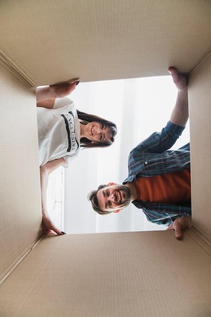 Coppia, dall'aspetto, dentro, scatola Foto Gratuite