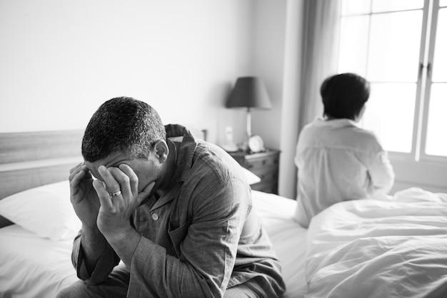 Coppia sposata infelice che non parla l'un l'altro Foto Gratuite