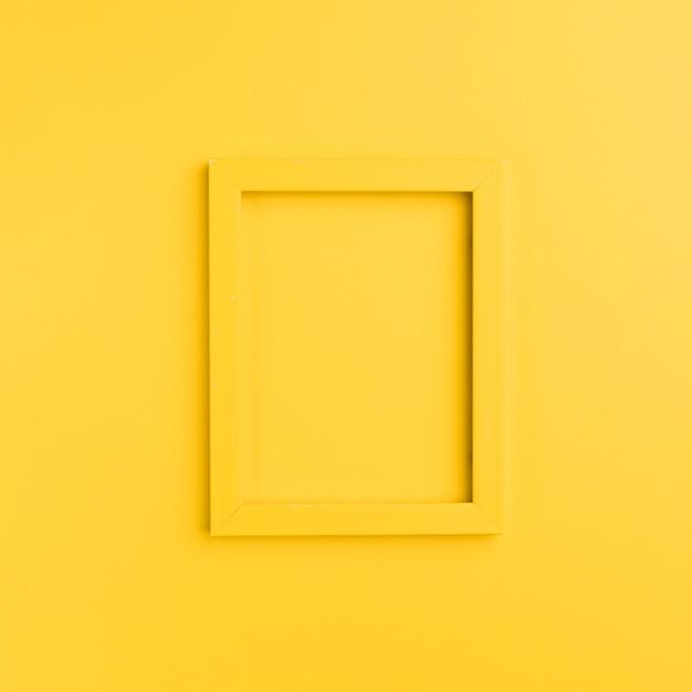 Cornice arancione su sfondo arancione Foto Gratuite