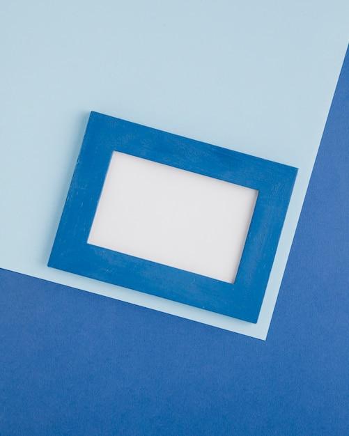 Cornice decorativa blu su sfondo blu Foto Gratuite