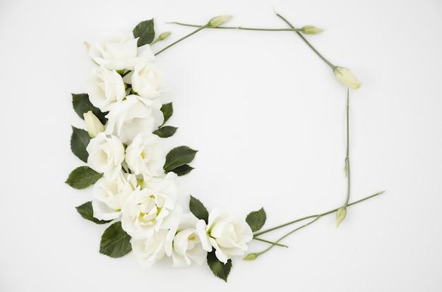 Cornice decorativa di fiori Foto Gratuite