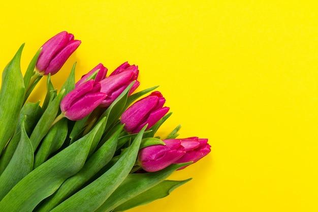 Cornice floreale molti carta viola Foto Gratuite