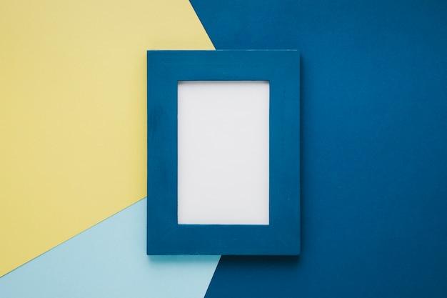 Cornice minimalista blu con spazio vuoto Foto Gratuite