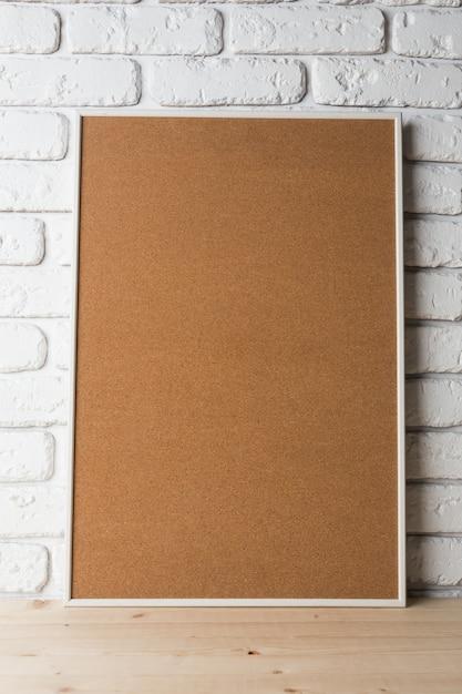 Cornice nera vuota sul muro Foto Premium