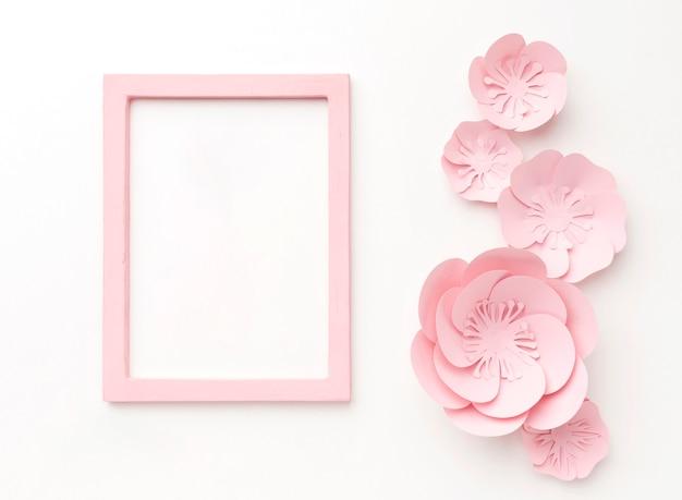 Cornice rosa e ornamenti Foto Gratuite