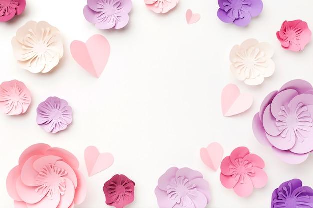 Cornice vista dall'alto di ornamento di carta floreale Foto Gratuite