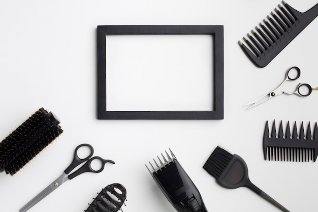 Cornice vuota con forniture di capelli Foto Gratuite